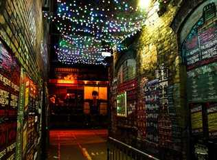 5 Cheap Alternative Hangout Spots At Night